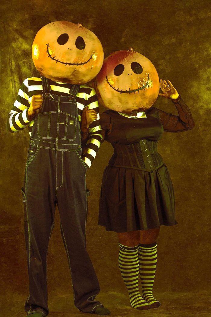 5dba98189f540 5da6ca1794961 wb1z6zvq8iq31  700 - Casais que apavoraram em suas fantasias para o Halloween