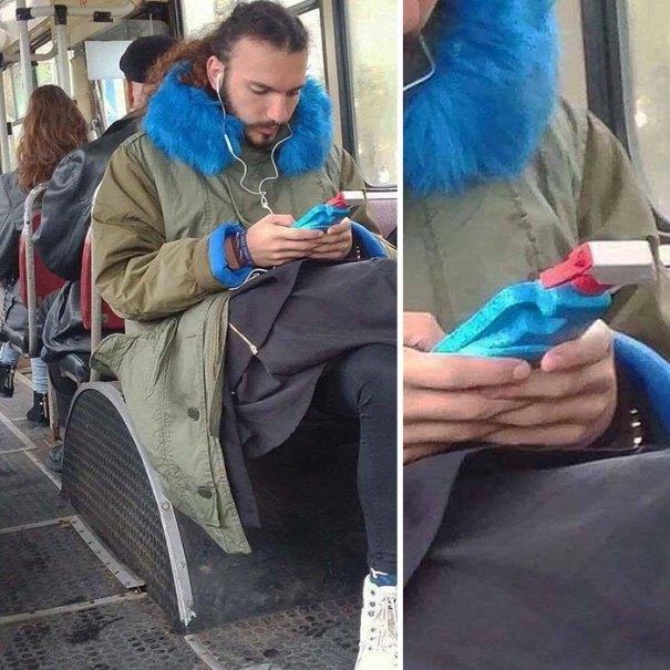 5dc3d4b9cb527 humans of trolleybuses 311 5dc282a2a21f9  700 - Conta do Instagram compartilha as coisas mais estranhas do transporte público