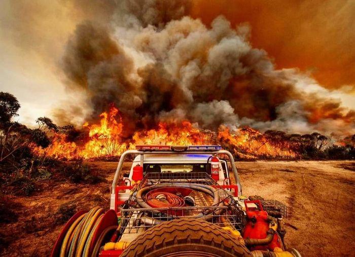 5e14430391120 5e12fe3e2ec13 ZScKbCN  700 - Internet compatilha 50 fotos que revelam as queimadas na Austrália
