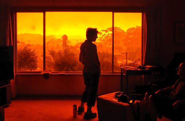 5e144304b0353 australia fires photos 16 5e12ea8bf26c7  700 - Internet compatilha 50 fotos que revelam as queimadas na Austrália
