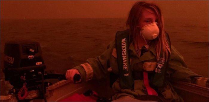 5e144305be968 australia fires photos 18 5e12ead8b56a2  700 - Internet compatilha 50 fotos que revelam as queimadas na Austrália