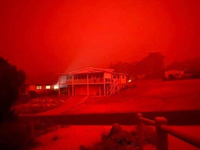 5e1443063b5a2 5e12f06ed80ce fn5jz6cvmu741  700 - Internet compatilha 50 fotos que revelam as queimadas na Austrália