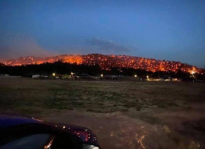 5e144306a298e australia fires photos 2 5e12ddd84a7fd  700 - Internet compatilha 50 fotos que revelam as queimadas na Austrália