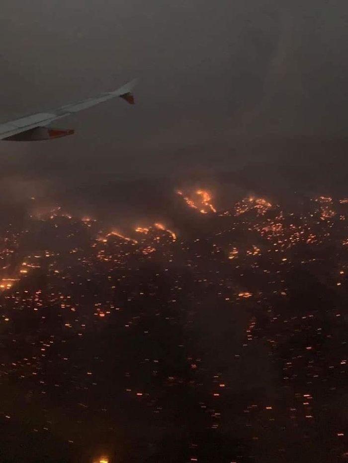 5e1443070b243 5e12efa4a1a02 5n2ix51dl2841  700 - Internet compatilha 50 fotos que revelam as queimadas na Austrália