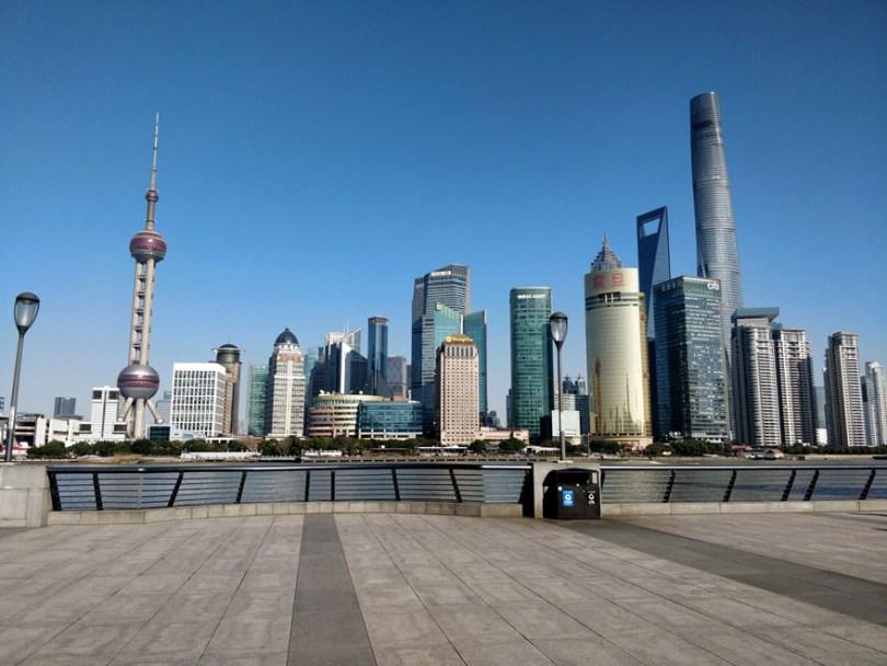 5e43b71164ba7 coronavirus outbreak empty shanghai streets photos nicole chan 1 1 5e425d500324c  880 - O dia em que a China parou! 32 fotos das ruas vazias de Xangai durante o surto de Coronavírus