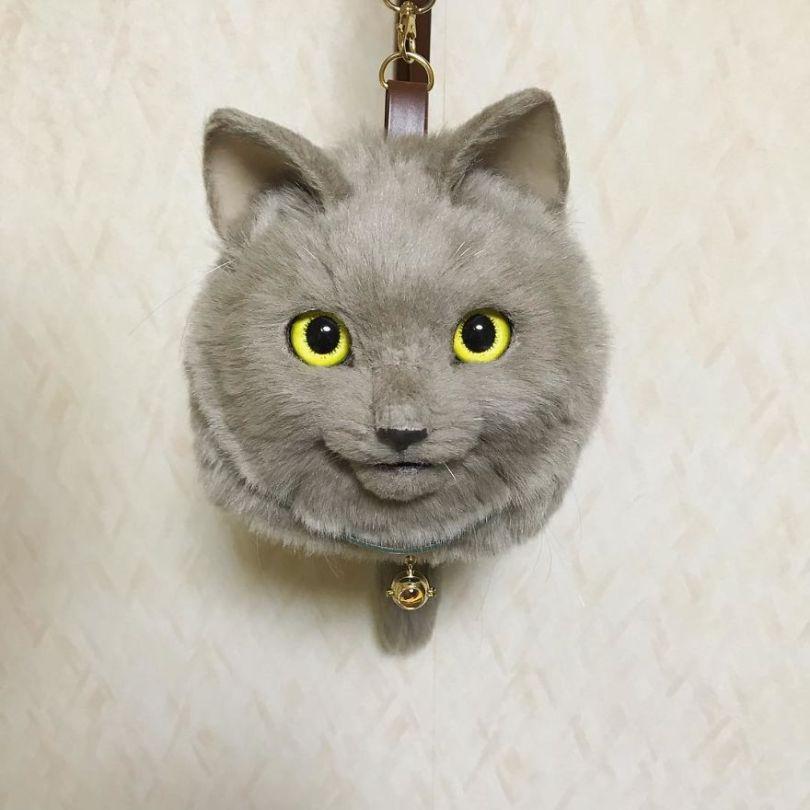 5e577ebe1aa77 Japanese artist continues to create bags in the shape of cats and realism impresses 5e54cf91eda53  880 - Artista japonês cria Bolsas de gatos que assustam de tanta veracidade