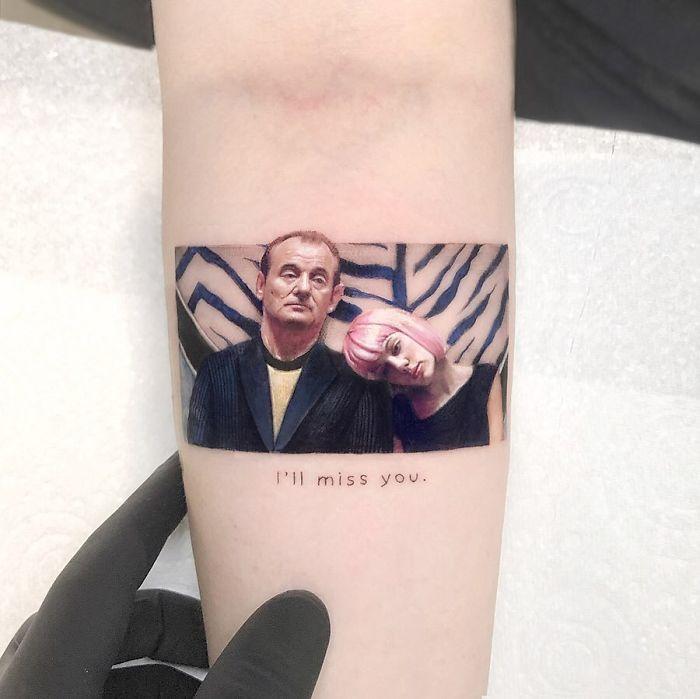 5e689af87a1d0 B3T4HDyFtnP png  700 - Tatuagens minúsculas inspiradas na cultura Pop de tatuador Israelense