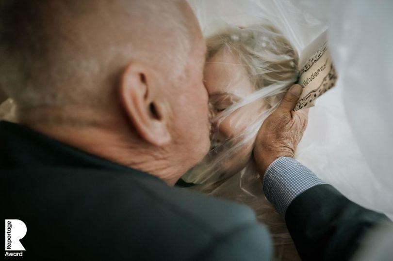 5f8553dc3996e tom tomeij 2 5f7f29a96694d  880 - Eles se Casaram na Pandemia. E foi bonito do mesmo jeito
