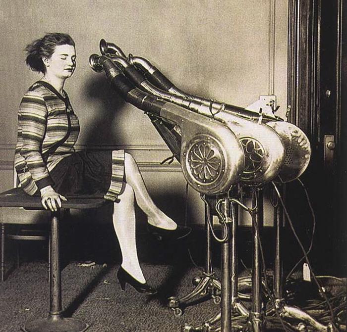 5f92851108ddd weird things women did vintage pics 6 5b62f6e87fb1b  700 - Coisas estranhas do passado a que as mulheres se sujeitaram em nome da beleza (Não se assuste!)