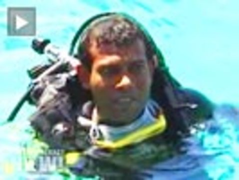 Island Nation of Maldives Holds Cabinet Meeting Underwater