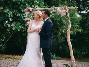mariage boheme chic bretagne autel