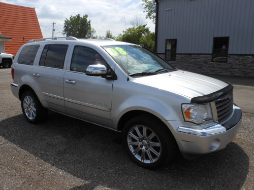 small resolution of  sun roof power driver and passenger seats 3rd row seating back up camera power windows locks and mirrors am fm cd mp3 aux roof rack chrome wheels