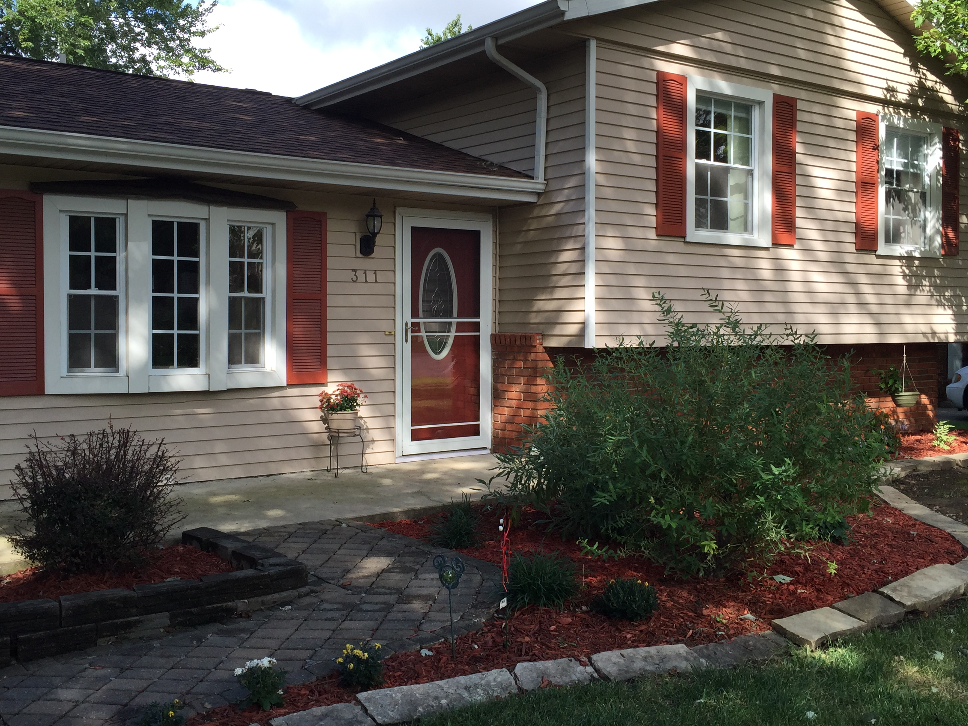 of this beautiful home for sale in Normal  IL  Real Estate Agents are  eager to help  Contact us with any additional questions or to arrange a  showing This 3 Bedroom House For Sale is Amazing Inside with a Great  . 3 Bedroom House For Rent Normal Il. Home Design Ideas