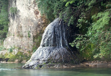 This is a waterfall.  Photo: Chris Price