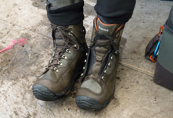 Broken wading boot laces hack