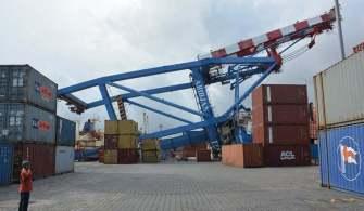 Konteyner Gemisi Sahil Vincine Çarparak Devirdi | Abidjan