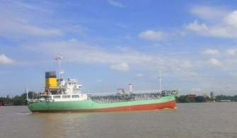 Böyle Korsanlık Olayı Görülmedi | Yükü Başka Gemiye Aktarmaya Çalıştılar