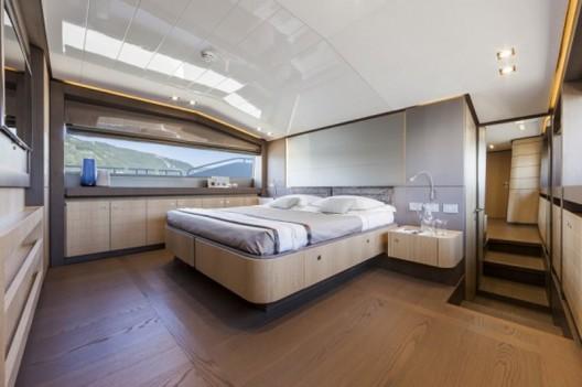 Ferretti-960-Yacht9-528x351