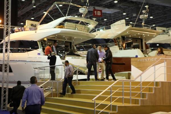 Boat Show VİP açılışına sınırlı sayıda ziyaretçi alındı.