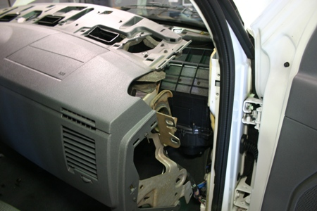Dodge Stratus Fuse Box Dodge Ram Low Air Flow From Ac Vents Tech Articles
