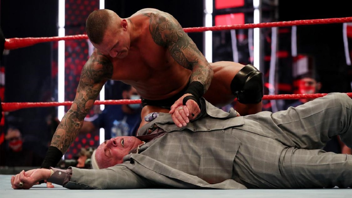 Wwe Raw Results Ric Flair Gets Emotional Punted By Randy Orton Den Of Geek