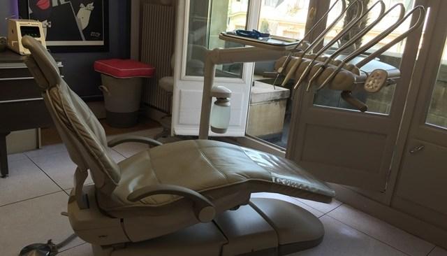 Mon fauteuil au sein de mon cabinet à Paris 16