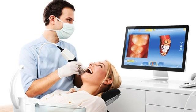 Implantologie ordinateur dentiste Amouyal Paris 16