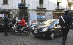 carabinieri-tra-la-gente