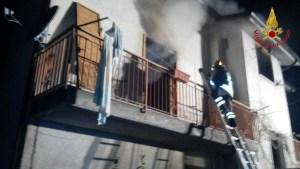 incendio-abitazione-altavilla-irpina-002