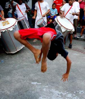 Attività con i ragazzi della favela di Vila Canoas