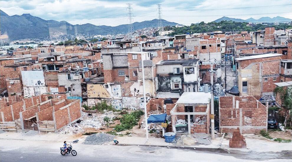 favelas-brasile-pericolose-manguinhos
