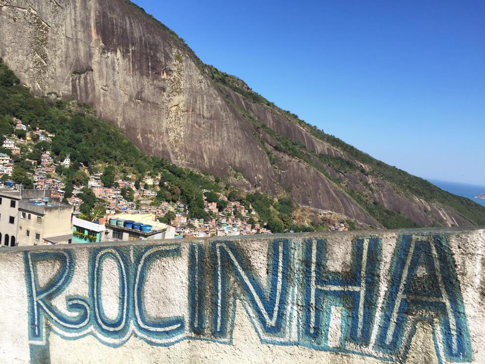 Come visitare una favela