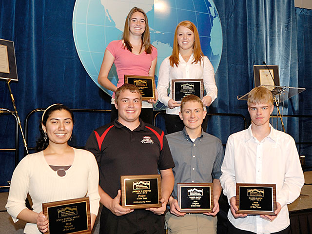 Students receive scholarship awards