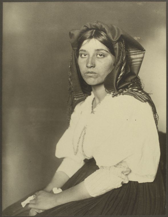 Italian woman. Photo courtesy of New York Public Library Digital Collections.