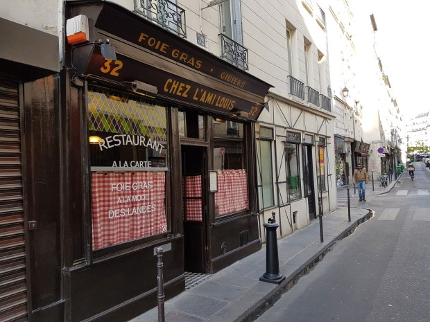 This small bistrot in the Third arrondissement is always crowded and popular with tourists.