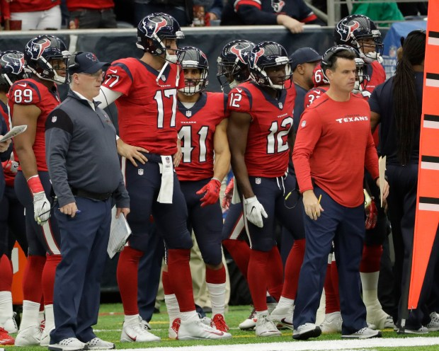 reputable site 0070b 63e14 Brock Osweiler benched for Tom Savage as Houston Texans beat ...