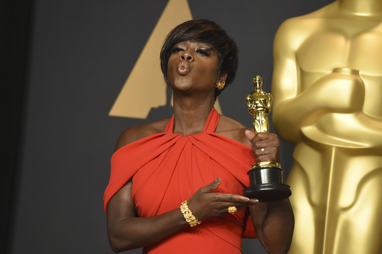Viola Davis poses in the press