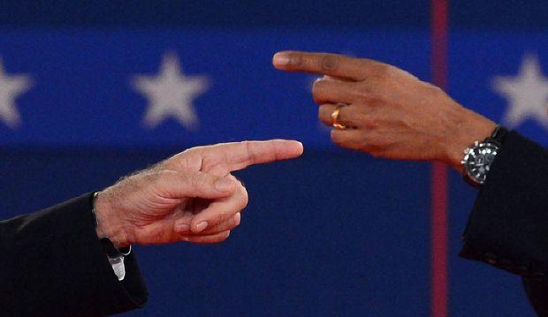 US President Barack Obama (R) and ...