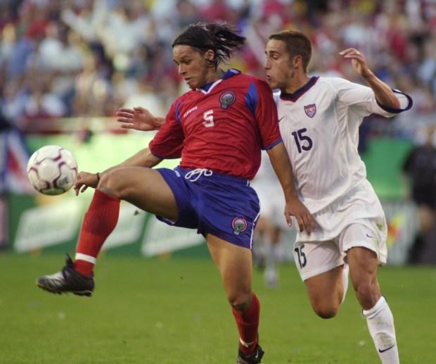 Costa Rica defender Gilberto Martinez (5) ...