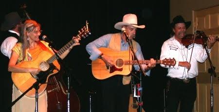 Bill Barwick (center)