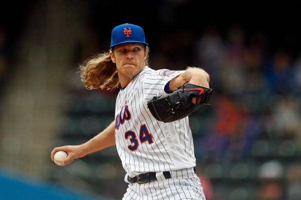 New York Mets starting pitcher Noah ...