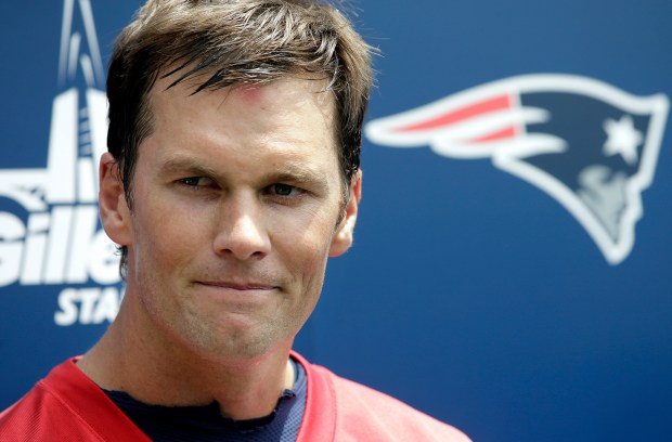 New England Patriots quarterback Tom Brady ...