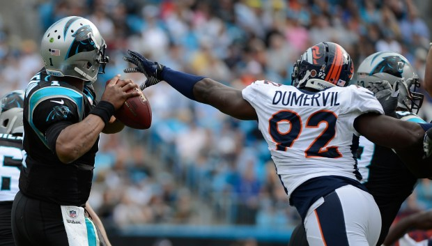 Denver Broncos defensive end Elvis Dumervil ...