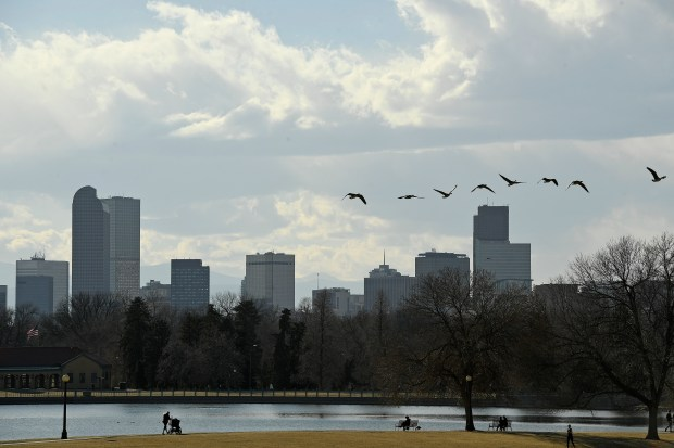 A view of the Denver skyline ...