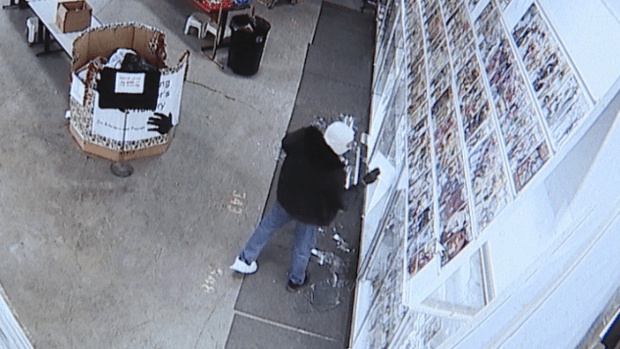 Smash-and-grab thief steals $42K in comic books from Denver store