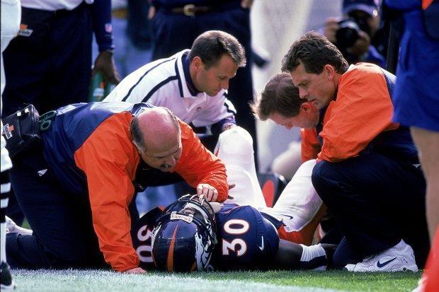 3 Oct 1999: Terrell Davis #30 ...