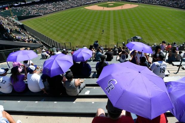 Colorado Rockies fans beat the heat ...