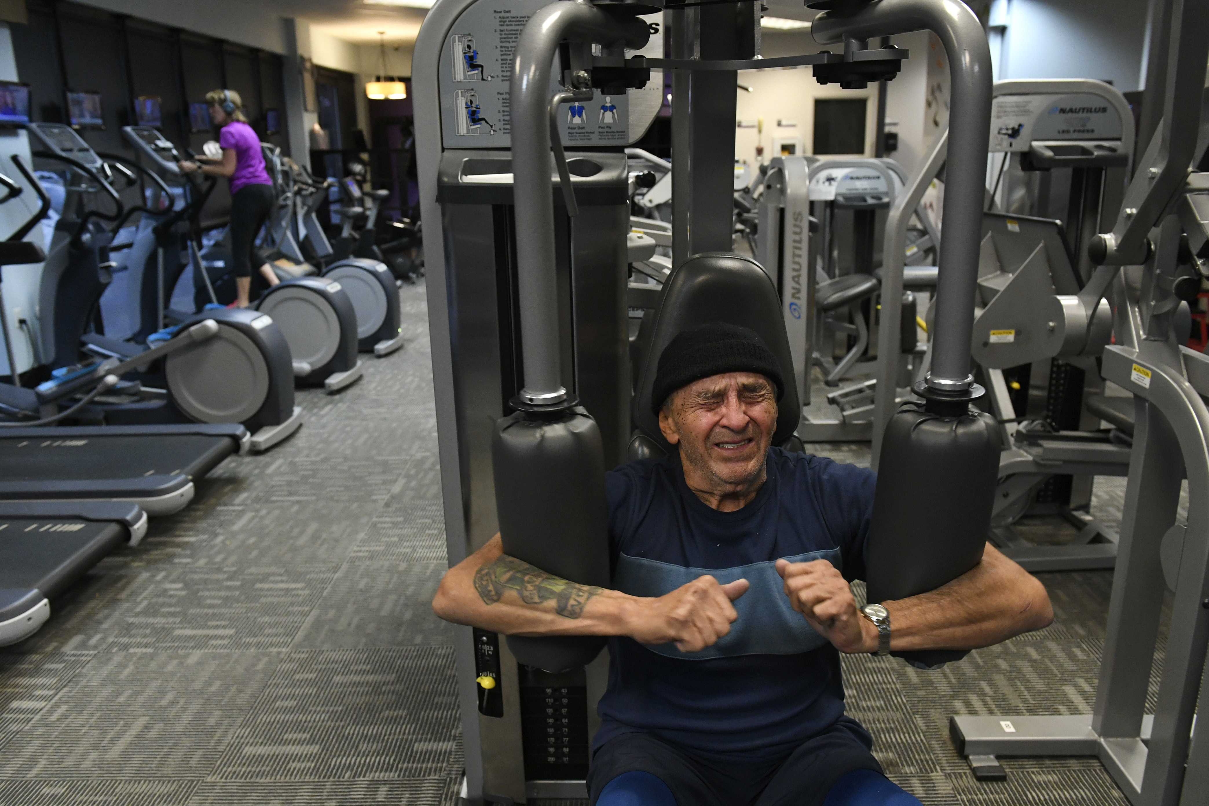 Tony Sanchez works out hard during ...