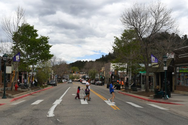 Estes Park is hoping visitor will ...
