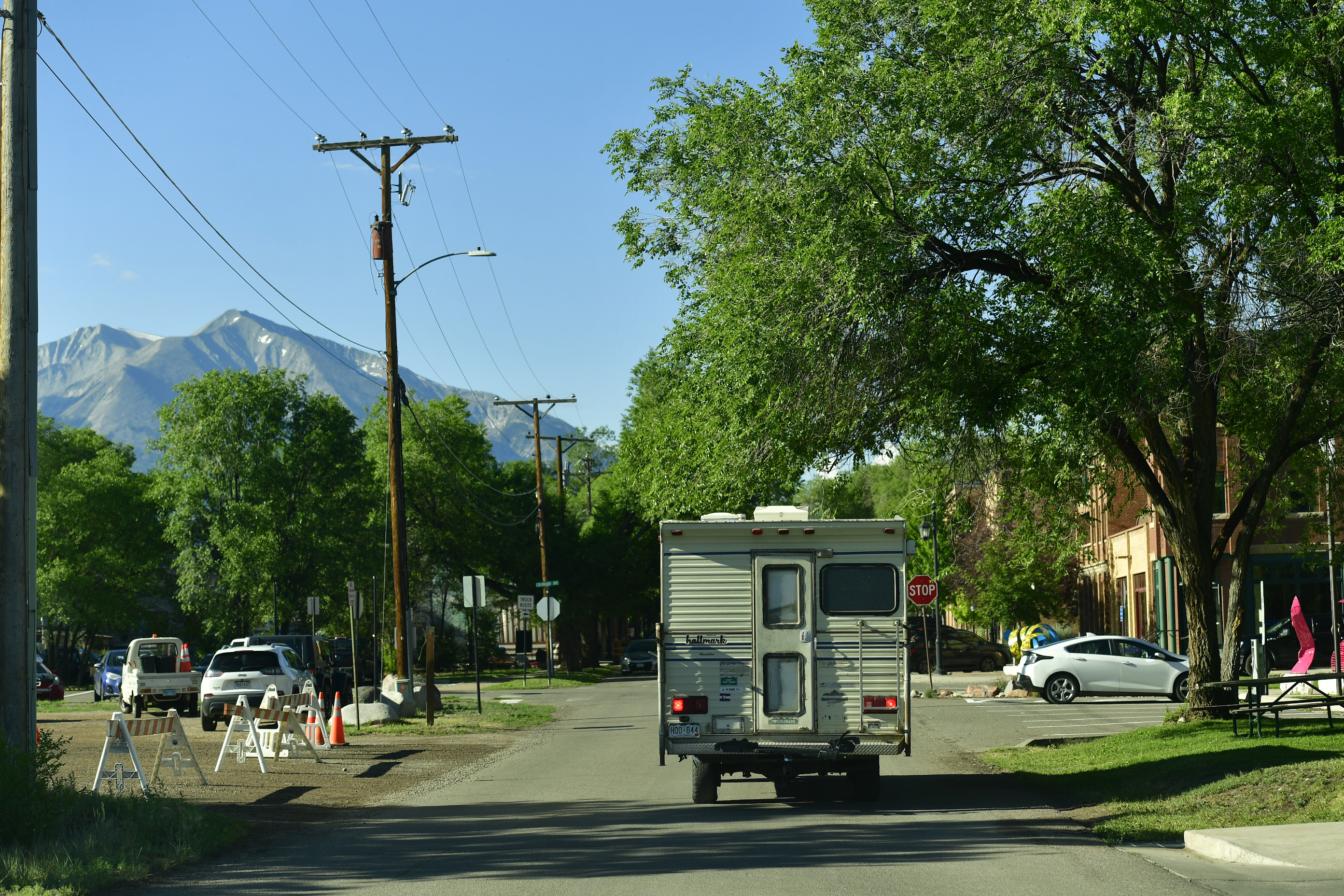 With Mount Sopris in the background ...